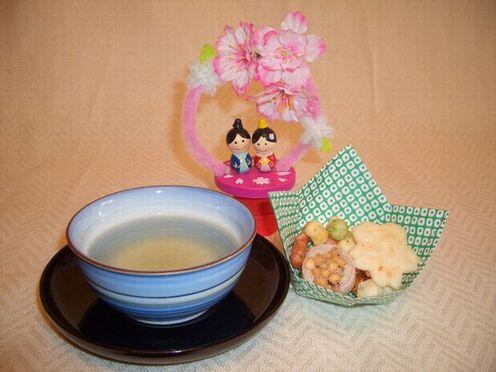 ひな祭りティーサービス3.jpg